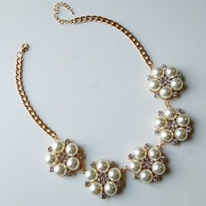White pearl crystal necklace